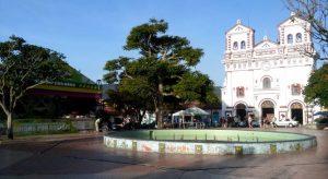 Iglesia-Senora-Carmen-Guatape_